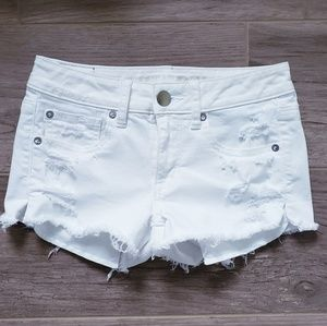 AEO | White Cutoff Stetch Shorts